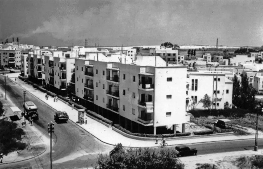 בטרם נבנה הקולנוע.לואי מרשל פינת דה האז