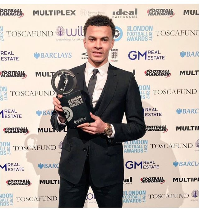 Great night at the London Football Awards, honoured to win the Young Player of the Year again! 🏆
