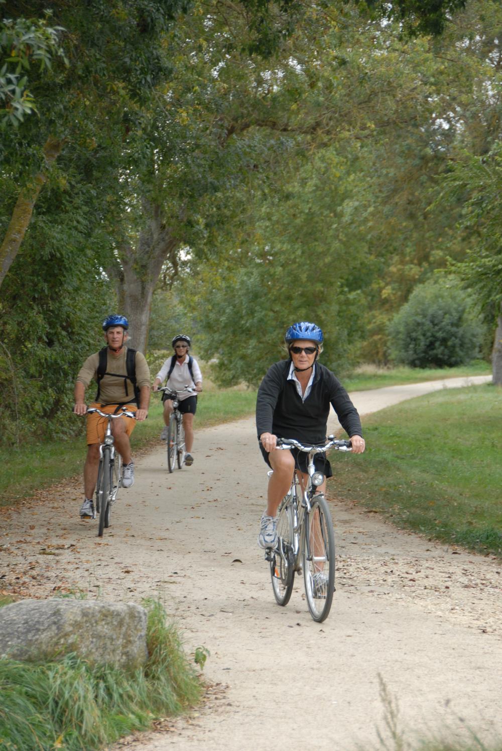 Biking france 4 1143.jpg
