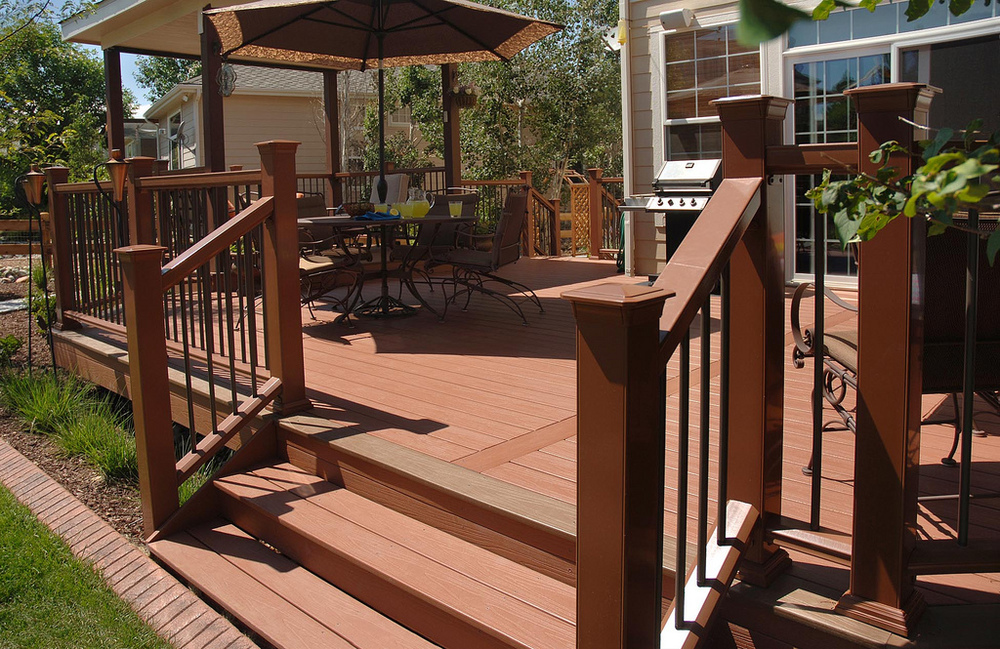 Rhino hide 5 mistakes to avoid when cleaning your for Building a composite deck