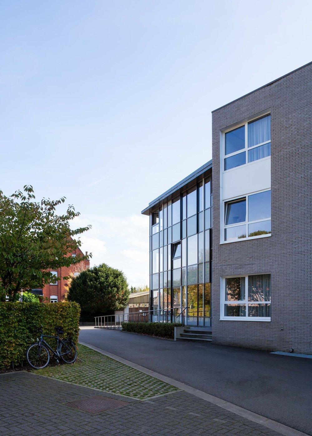 Witte huis shot for OSK-AR architecten