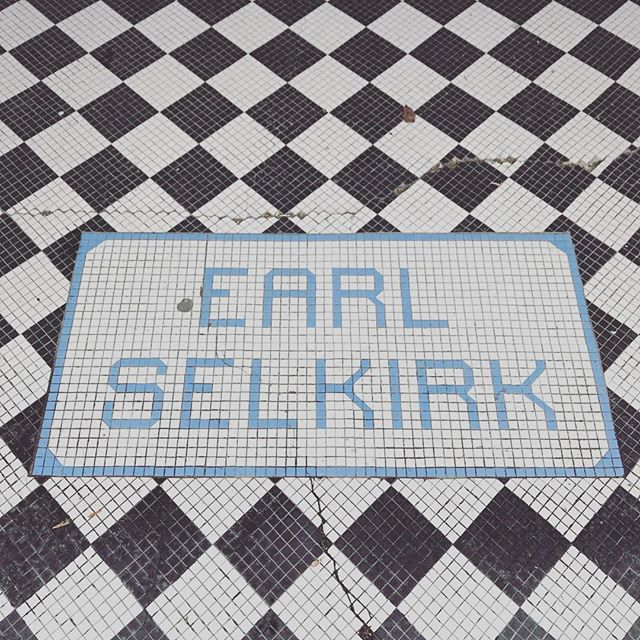 Check out those k's! #tiletype #typography #mosaic