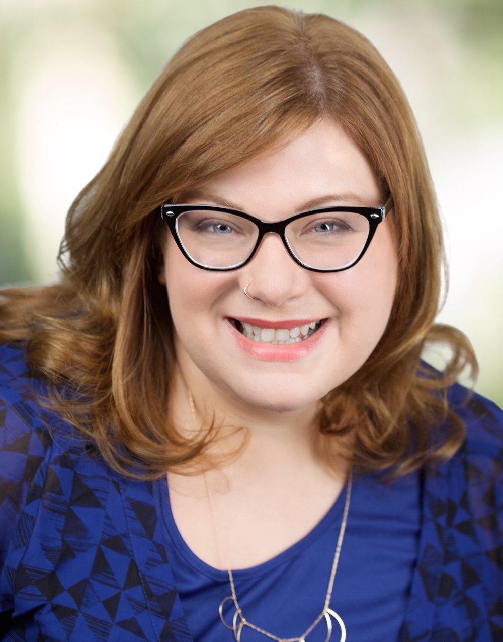 Karalyn-Violeta-LMSW-psychotherapist