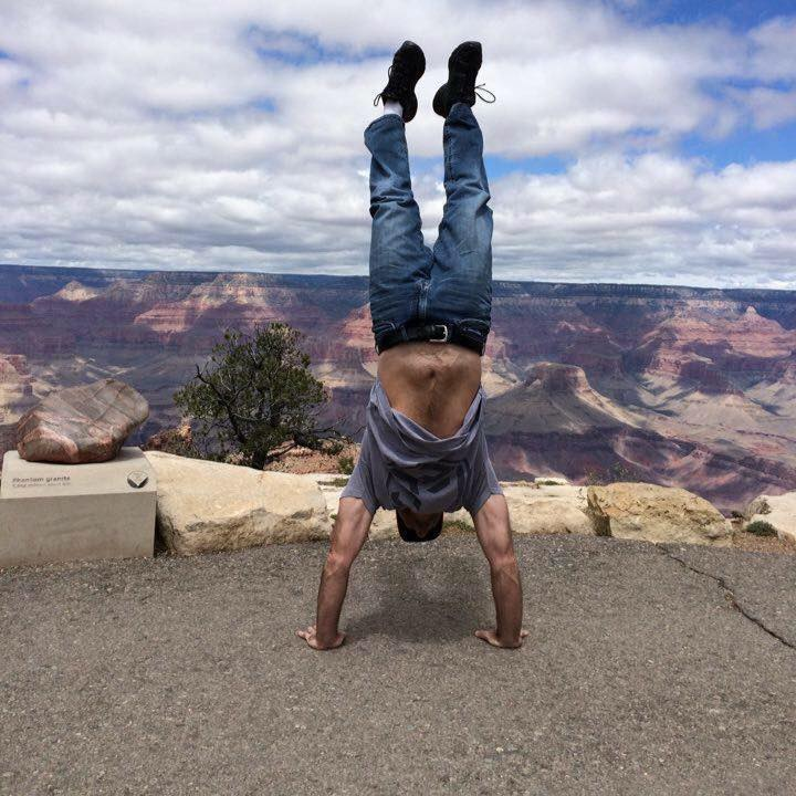 Jeremy getting Gymnasty at the Grand Canyon!
