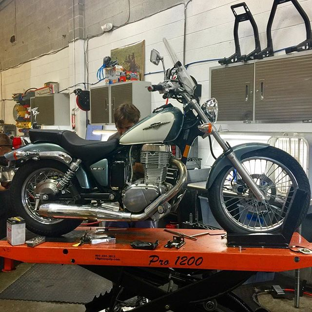 Suzuki S40 in for service. Fun little bike, and a great alternative to the Honda Rebel if you're looking for something with more power but still lightweight, low to the ground, and easy to handle. #suzuki #motorcycleshop #ridemotorcycleshavefun #terpriders #dcmotoscene #motorcycleshop #dc #maryland #collegepark #umd #goterps