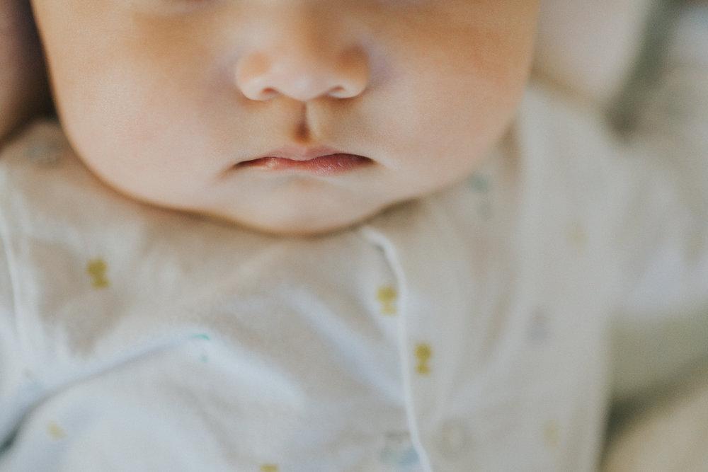Montreal-baby-children-photographer-Studio-Wei161107-2.jpg