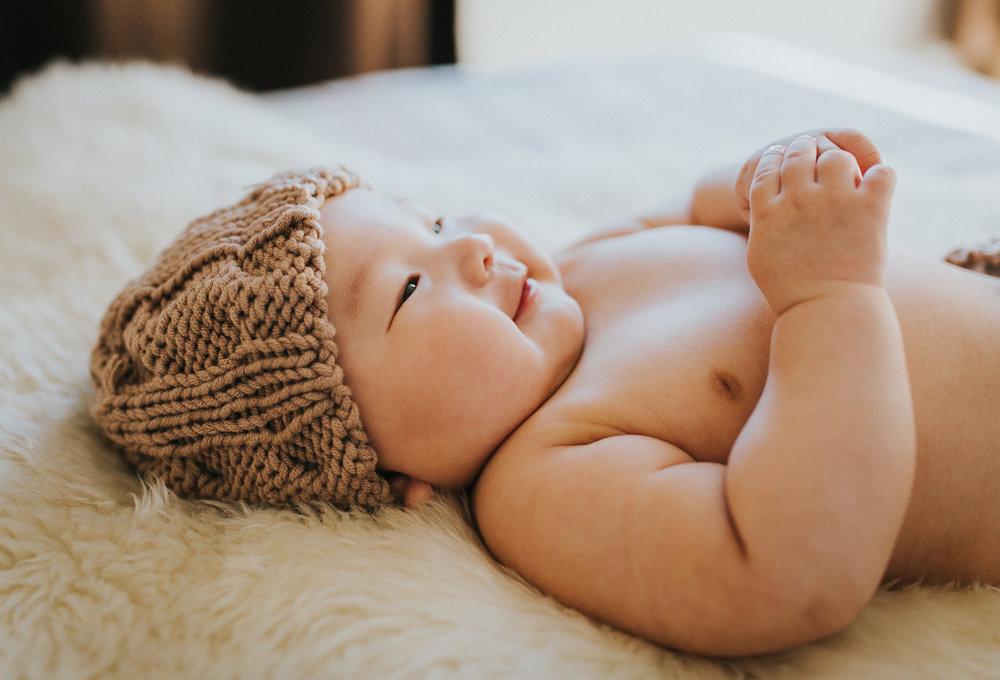 Montreal-baby-children-photographer-Studio-Wei161107-5.jpg