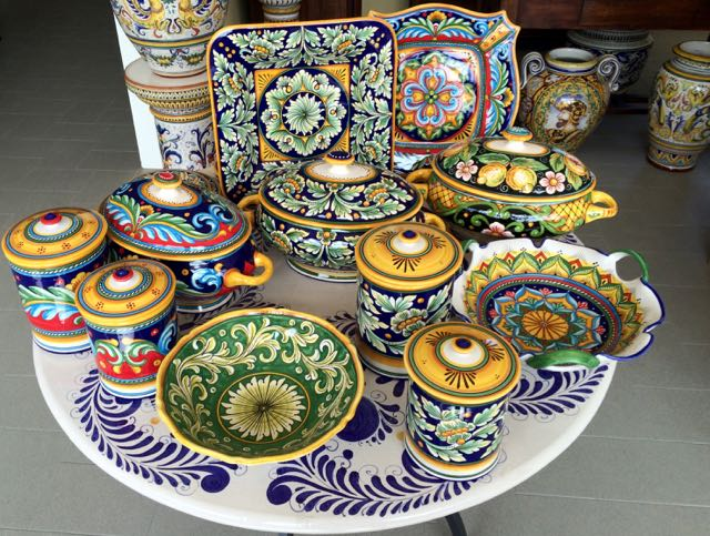 Ceramiche Sberna __ Deruta __ www.gillianslists - 7.jpg