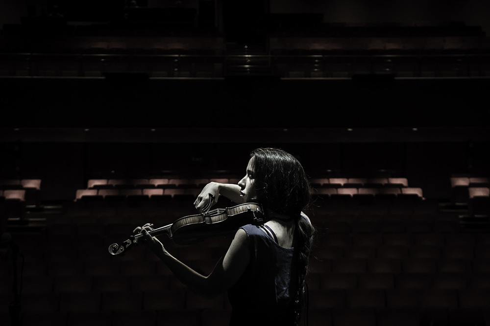 LAVINIA MANCUSI - Singer, musician