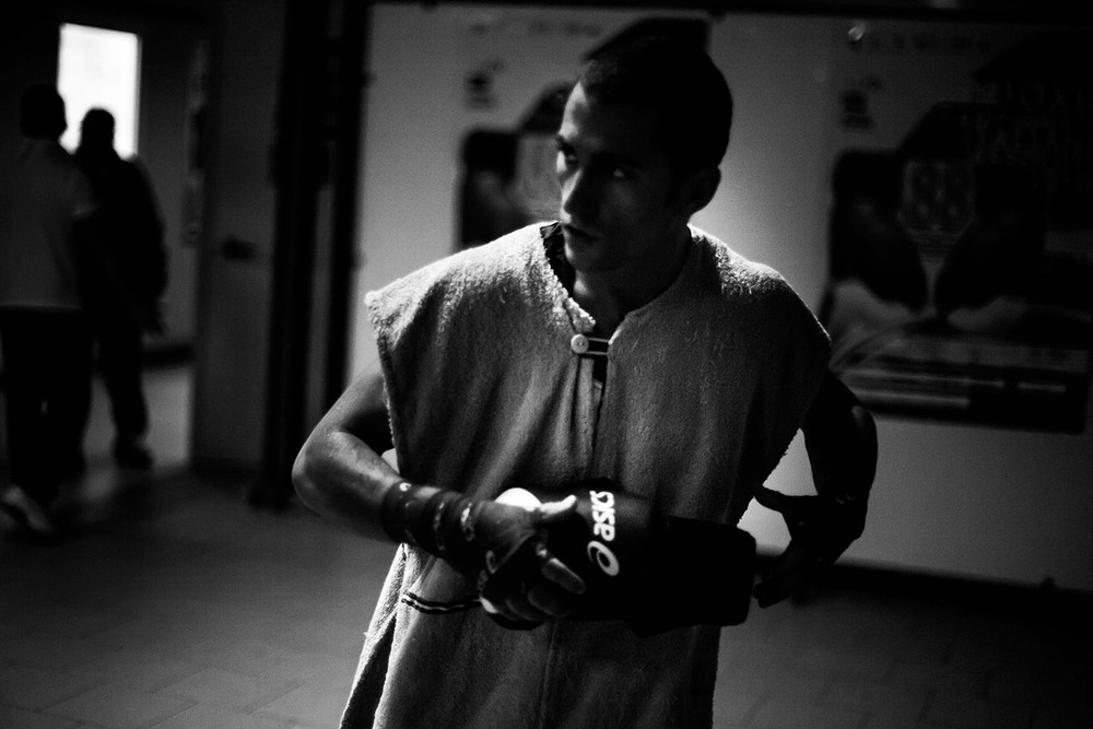 BEFORE FIGHTING - Italian Amateur Boxing Championship Finals (Naples, 2010)