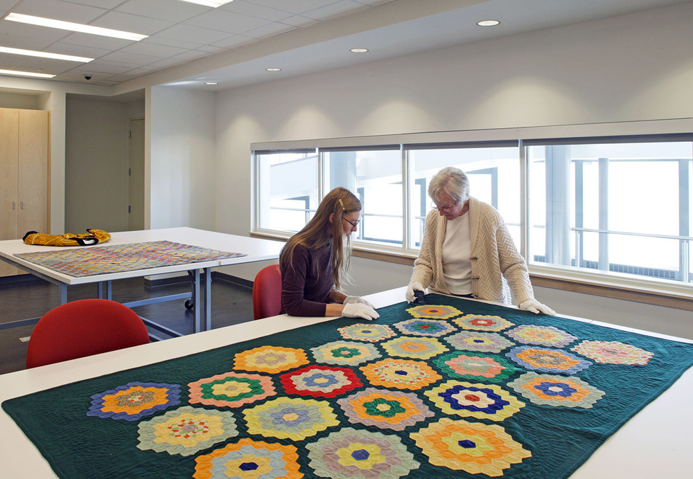 UNL---Internatl-Quilt-Study-Center_113.jpg