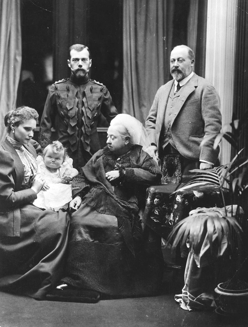 Nicholas and Alexandra in Balmoral with Queen Victoria