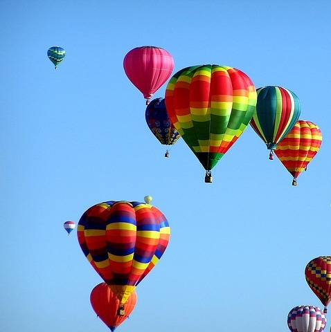 hot-air-balloons-439331_640.jpg