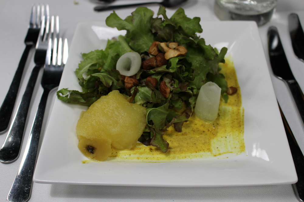 Poached Pear Salad, Spiced Cashews, Curried Shallot Vinaigrette midunu