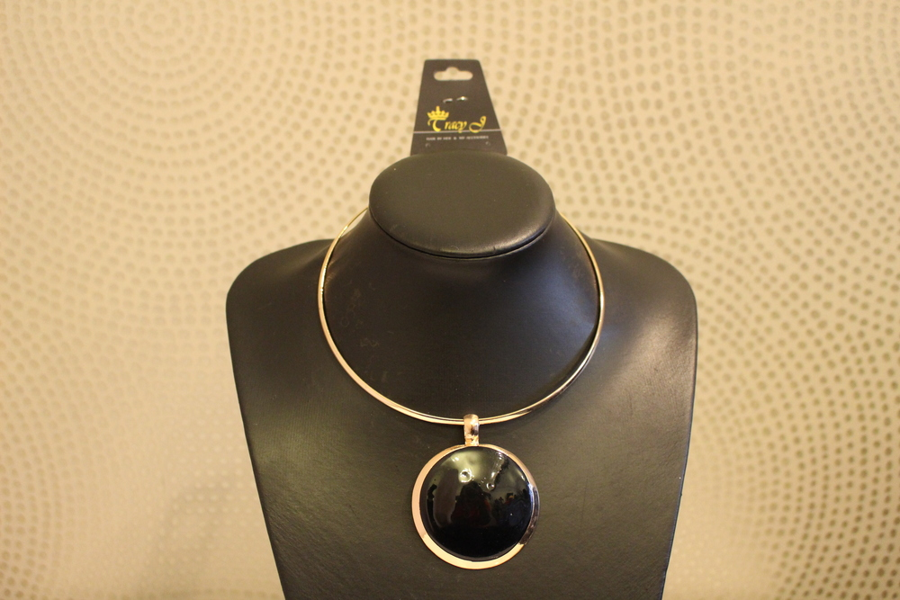 black and gold necklace tracy j accra