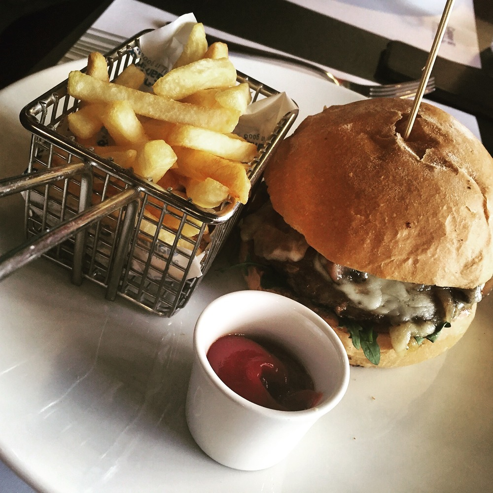 New good melt burger, Casper & Gambini's
