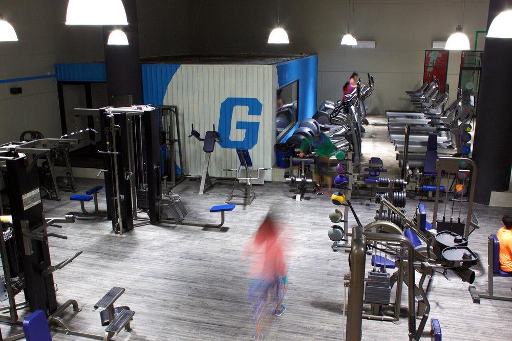 HC Fitness Plaza  - Identidad y diseño espacial