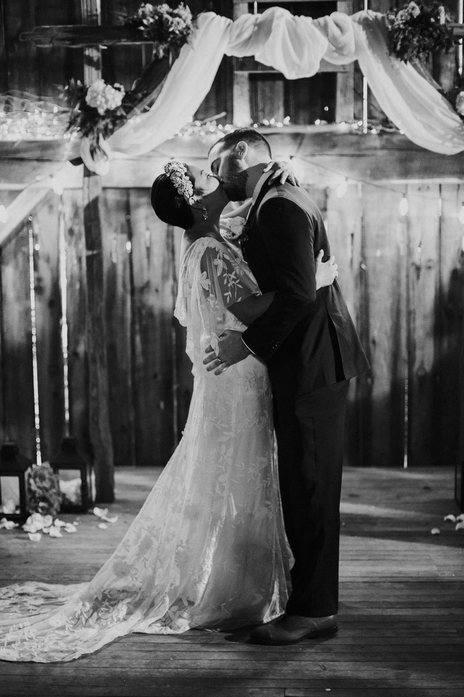 Pennsylvania_Wedding_Photography_Friedman_Farms-46.jpg