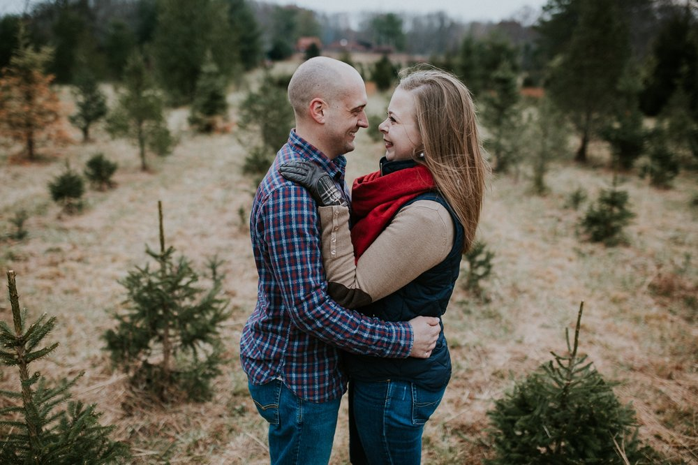 washington-dc-christmas-tree-farm-engagement-photographer 5.jpg