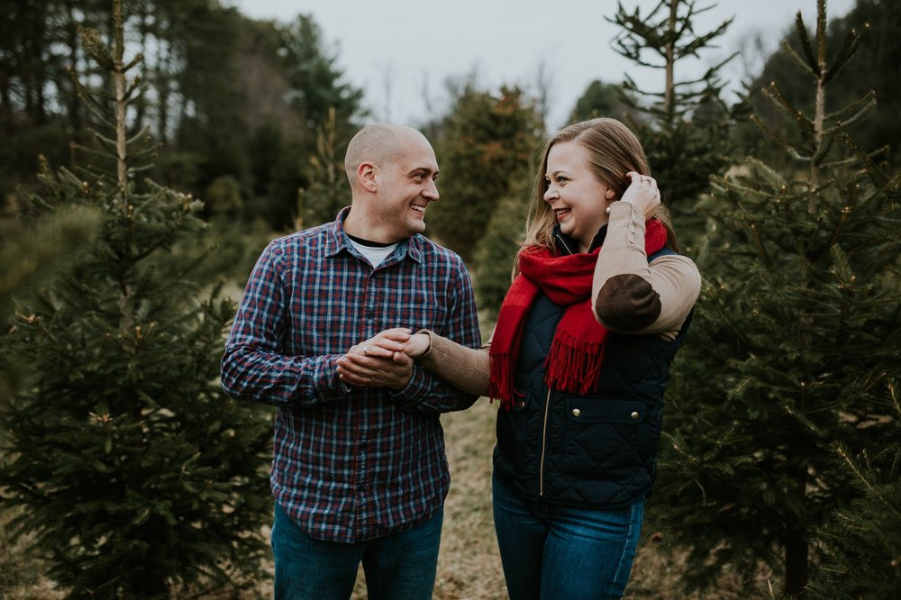 washington-dc-christmas-tree-farm-engagement-photographer 18.jpg