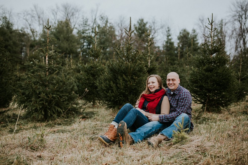 washington-dc-christmas-tree-farm-engagement-photographer 24.jpg