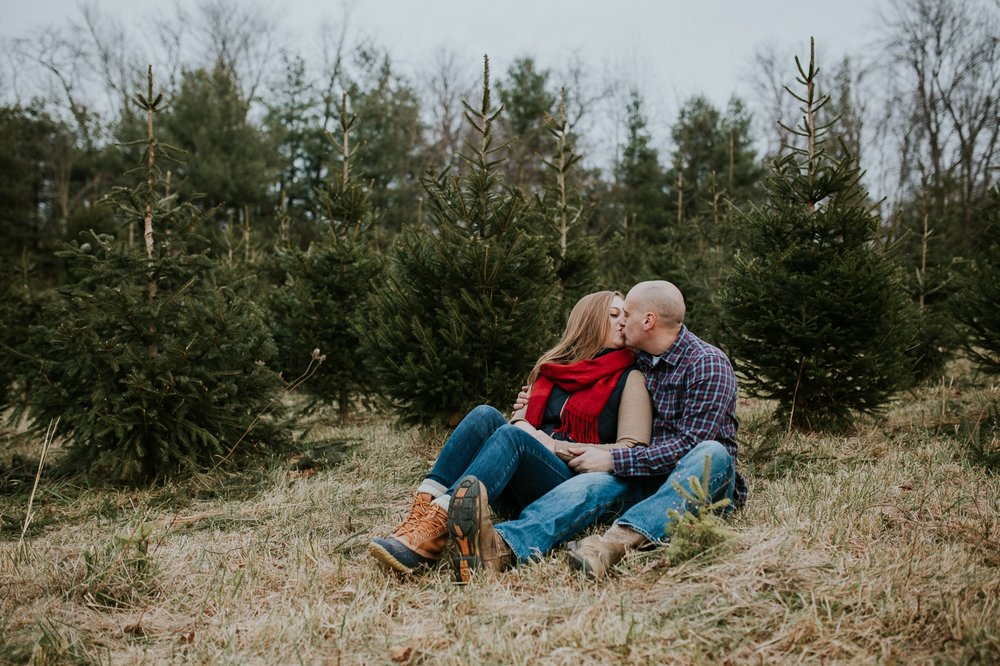 washington-dc-christmas-tree-farm-engagement-photographer 25.jpg