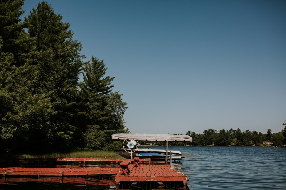 rhinelander-wisconsin-holiday-acres-lakeside-wedding-photographer 18.jpg