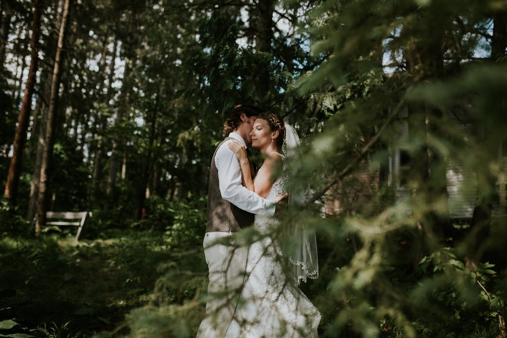 rhinelander-wisconsin-holiday-acres-lakeside-wedding-photographer 80.jpg