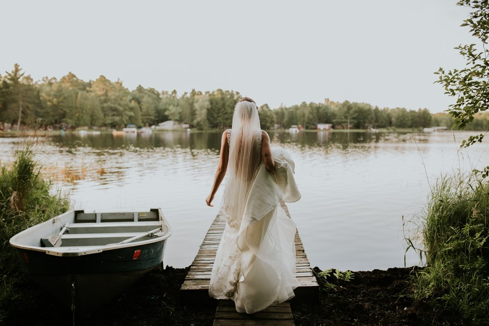 rhinelander-wisconsin-holiday-acres-lakeside-wedding-photographer 125.jpg
