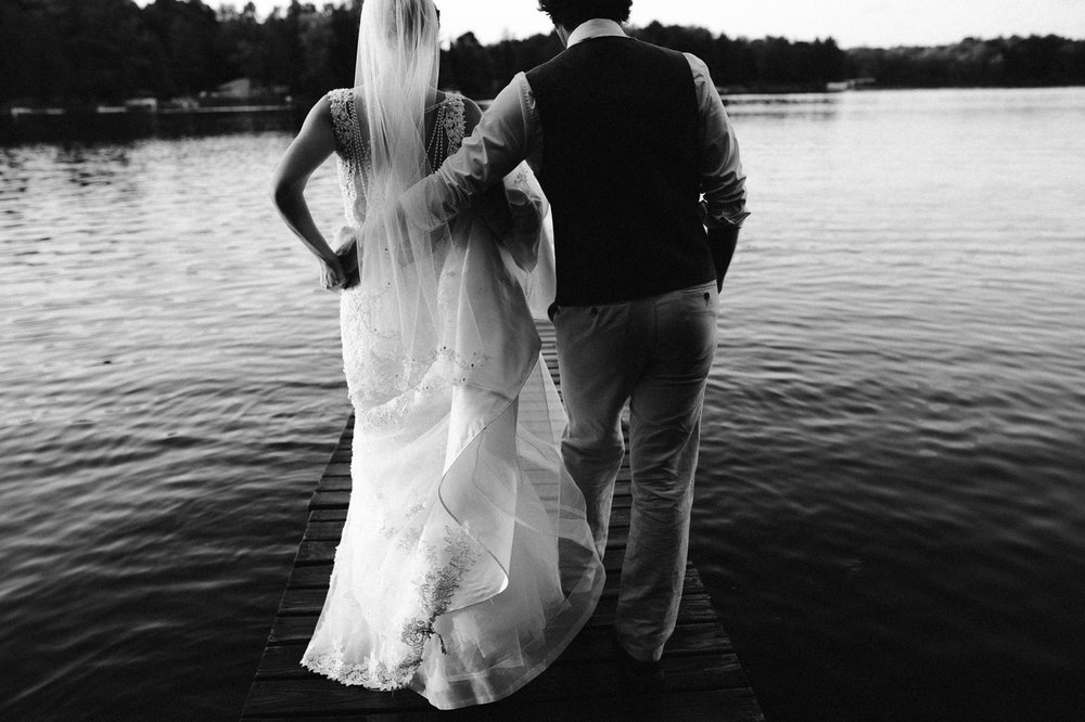 rhinelander-wisconsin-holiday-acres-lakeside-wedding-photographer 127.jpg