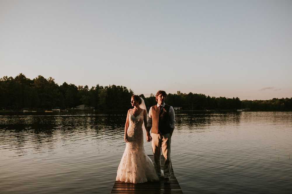 rhinelander-wisconsin-holiday-acres-lakeside-wedding-photographer 128.jpg
