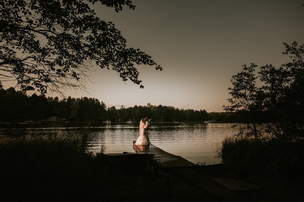 rhinelander-wisconsin-holiday-acres-lakeside-wedding-photographer 129.jpg