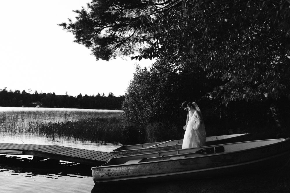 rhinelander-wisconsin-holiday-acres-lakeside-wedding-photographer 138.jpg