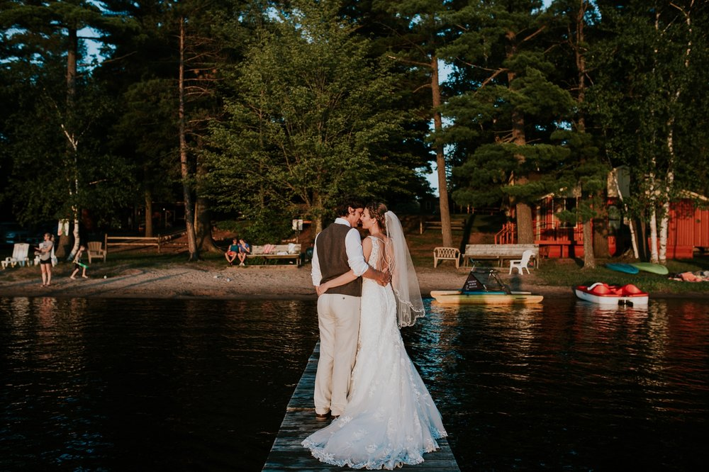 rhinelander-wisconsin-holiday-acres-lakeside-wedding-photographer 140.jpg