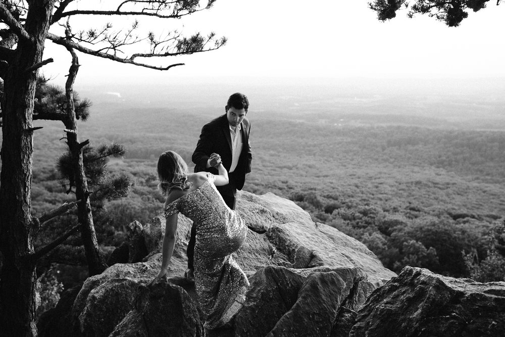 sugar_loaf_mountain_maryland_mountain_top_engagement_photographer-16.jpg