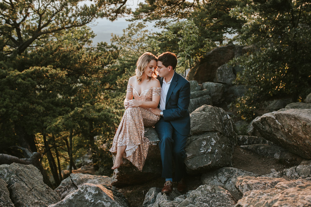 sugar_loaf_mountain_maryland_mountain_top_engagement_photographer-15.jpg