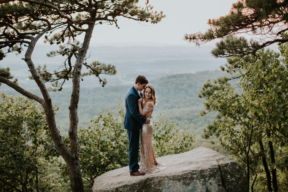 sugar_loaf_mountain_maryland_mountain_top_engagement_photographer-34.jpg