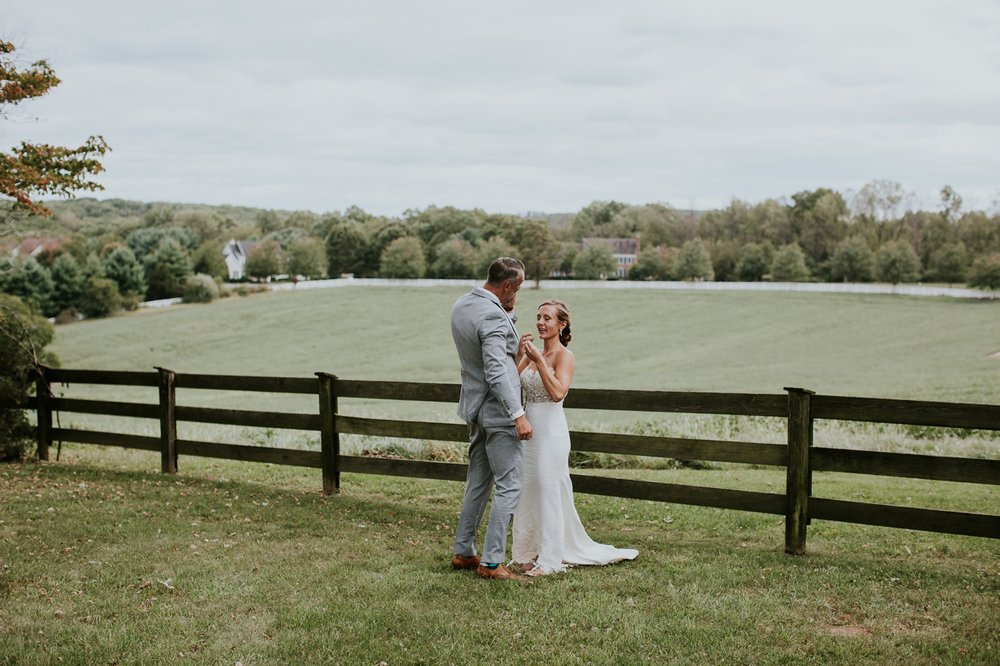 phoenix_maryland_barn_silo_hill_wedding_photographer 43.jpg