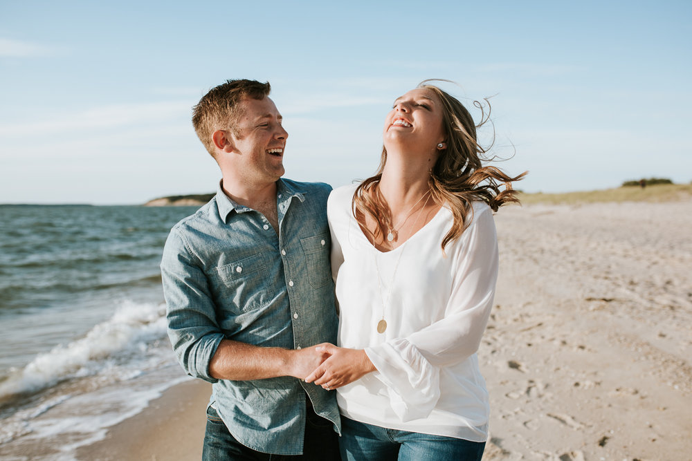 washington-dc-engagement-photographer-couple-beach