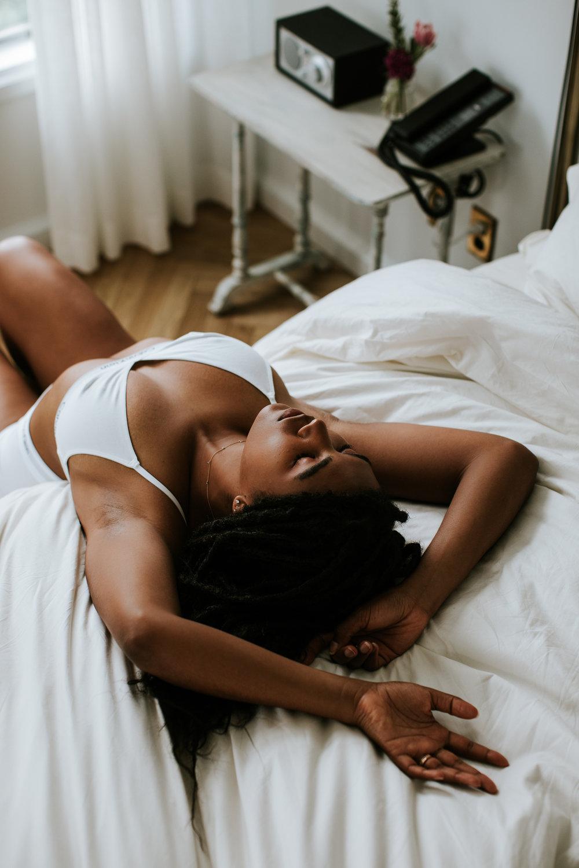 washington-dc-boudoir-at-home-engagement-session-photographer-5.jpg