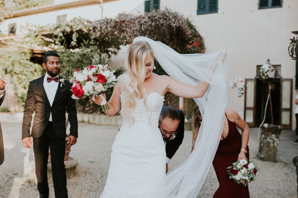 florence-italy-elopement-wedding-photographer-villa 4.jpg