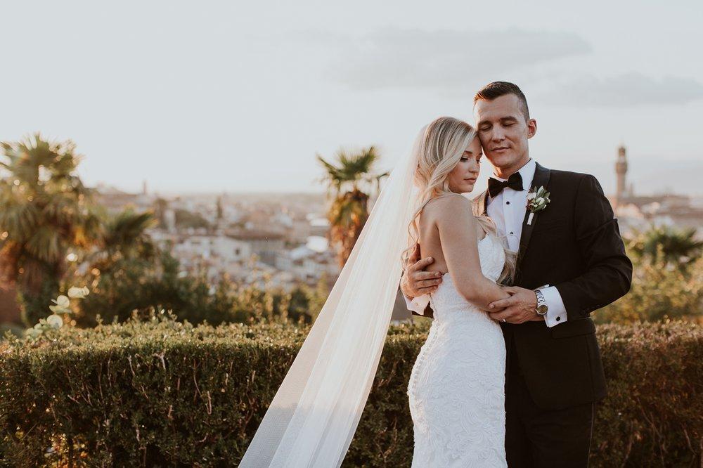 florence-italy-elopement-wedding-photographer-villa 15.jpg