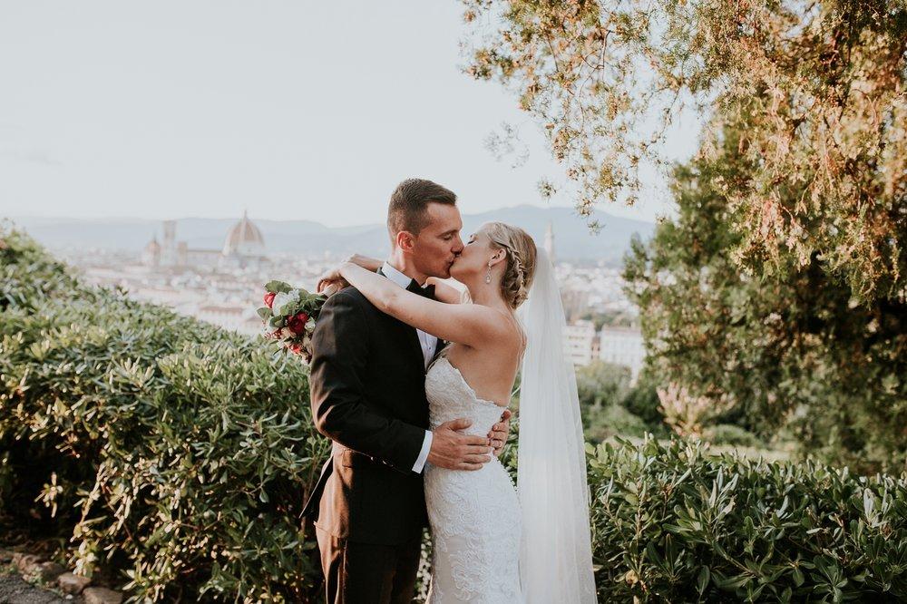 florence-italy-elopement-wedding-photographer-villa 18.jpg