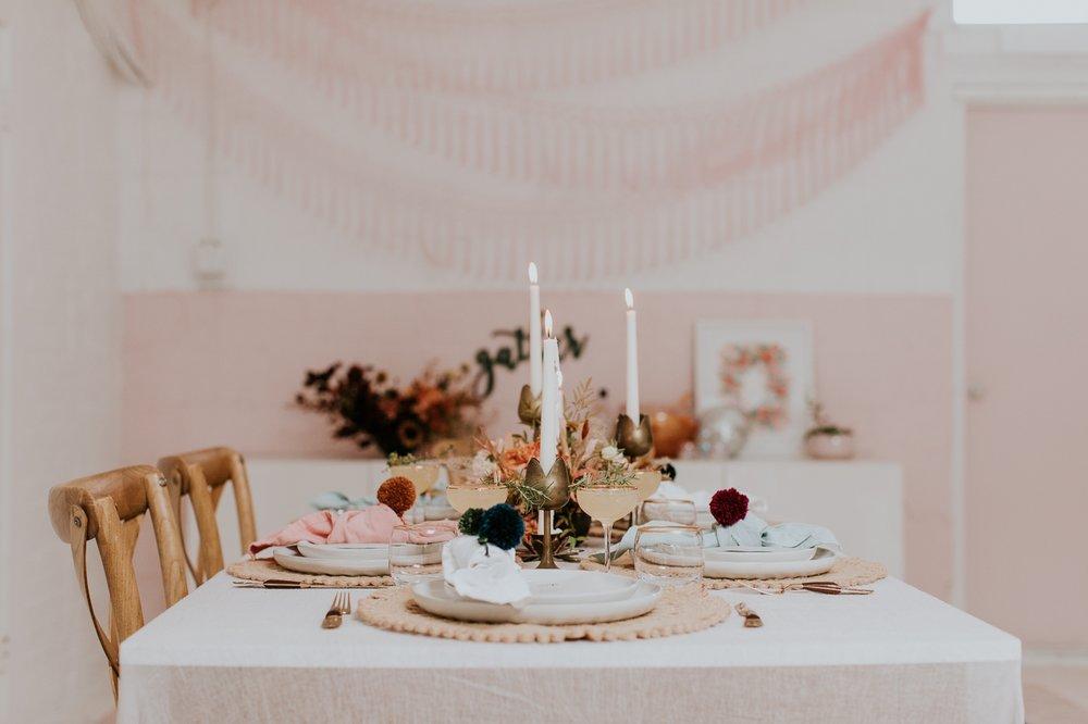 friendsgiving-thanksgiving-holiday-decor-tablescape-inspiration 10.jpg