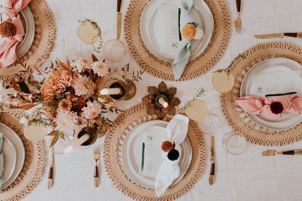 friendsgiving-thanksgiving-holiday-decor-tablescape-inspiration 15.jpg