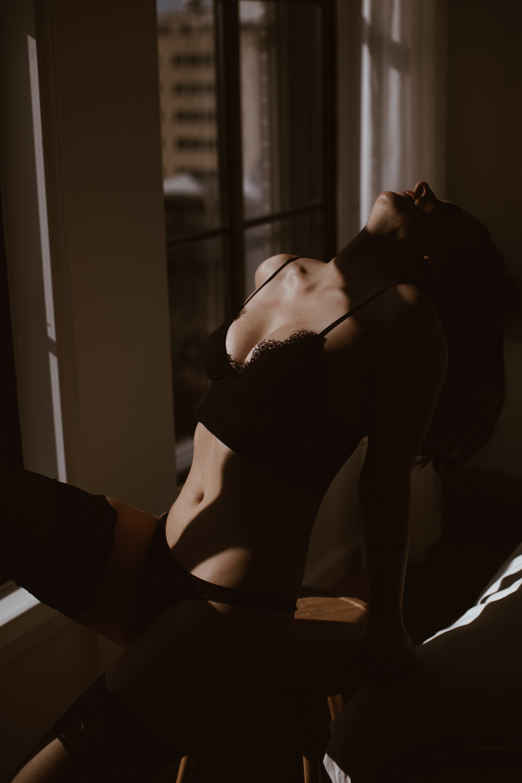 washington-dc-boudoir-photographer-the-line-hotel-17.jpg