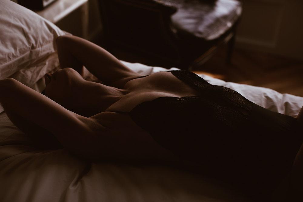 washington-dc-boudoir-photographer-the-line-hotel-31.jpg