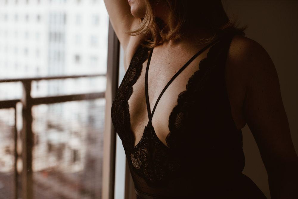 washington-dc-moody-artful-boudoir-photography-43.jpg