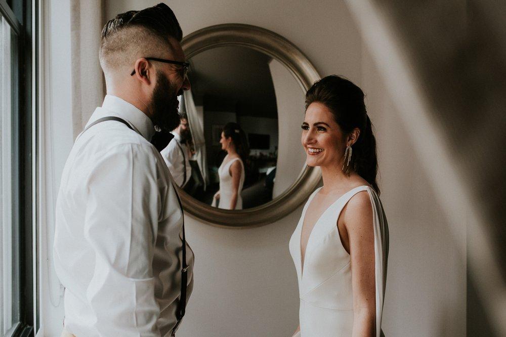 chicago-illinois-downtown-urban-elopement-wedding-photographer 17.jpg