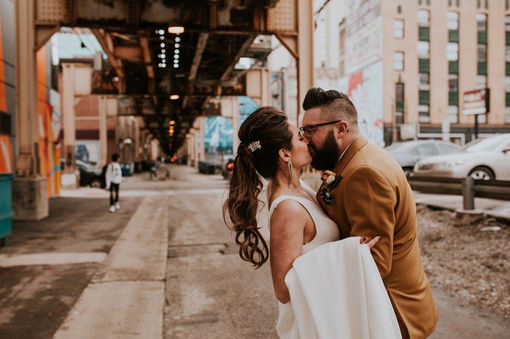 chicago-illinois-downtown-urban-elopement-wedding-photographer 41.jpg